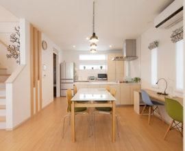 徹底的な家事楽設計に奥様納得。シンプルでやさしい北欧風のお家。